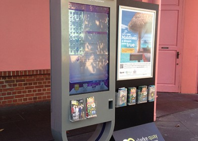 Clarke Quay Touch Screen with Wayfinder